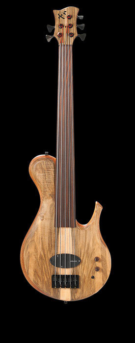 Fretless 5 string bass with Delano Xtender, single-cutaway